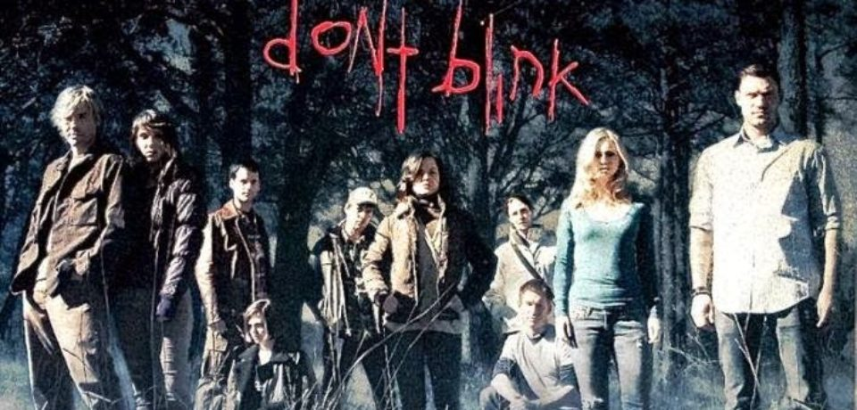 Don't Blink (2014) – One vanishes as other blinks