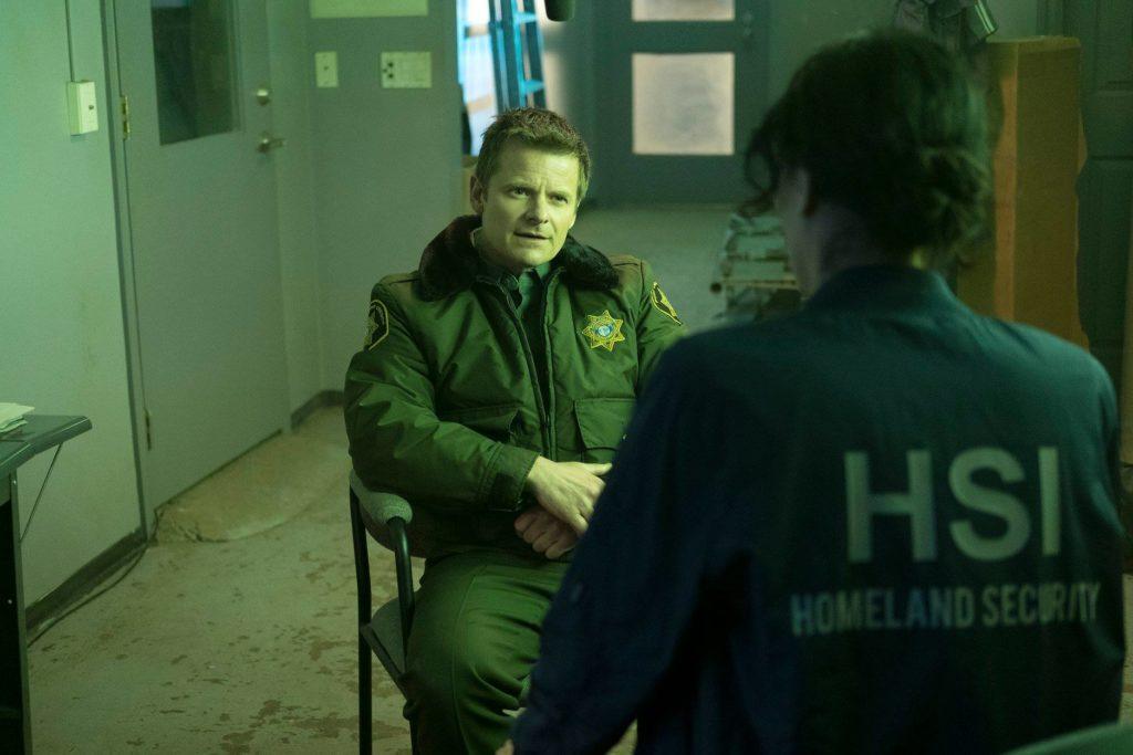 Steve Zahn as Sherriff Jude Ellis in the TV Series The Crossing