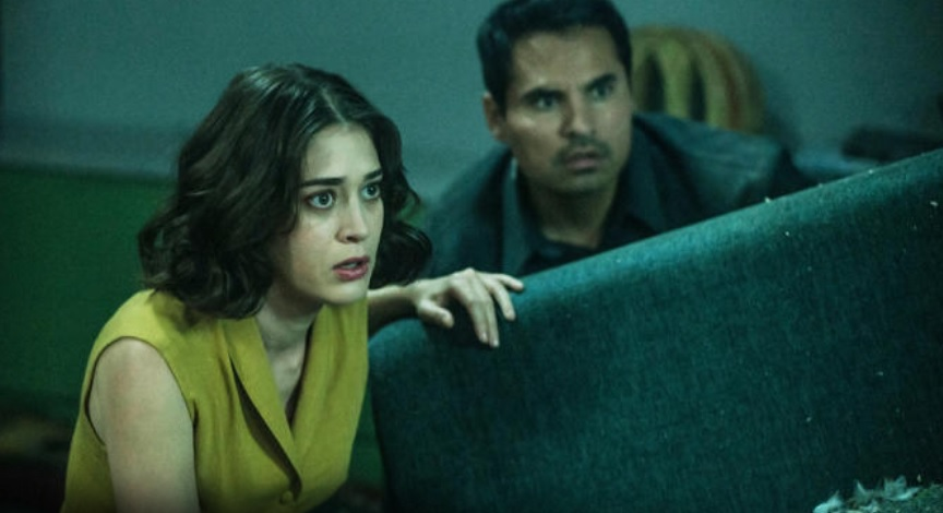 Extinction: Movie Review (Watch it for Lizzy Caplan & Plot Twist ...